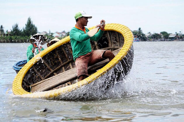 Basket Rowing Boat in Central Vietnam Tour