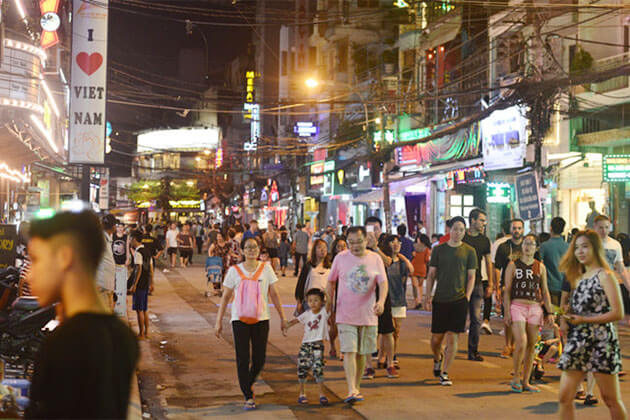 Bui Vien Walking Street Saigon Local Tour