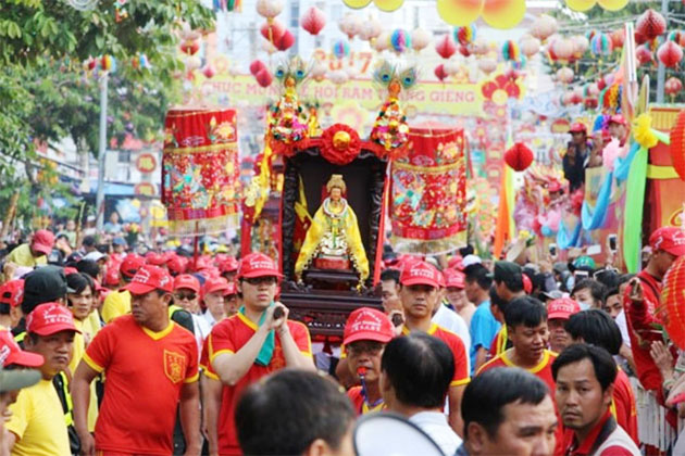 Festival in Thien Hau Temple