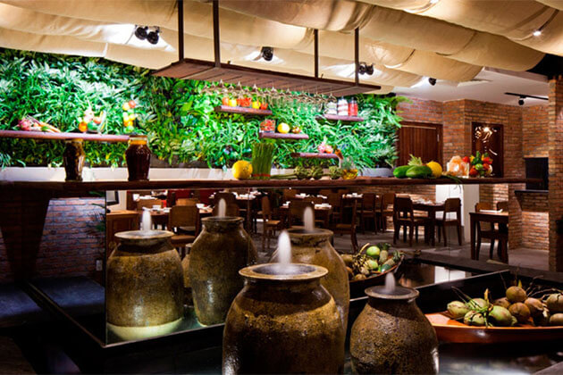 Hum Vegetarian Longue Restaurant in Saigon