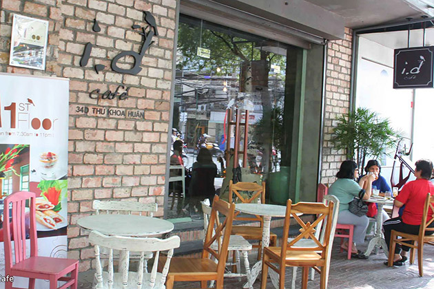 ID Coffee Shop in Saigon