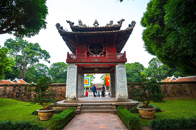 Temple of Literature Saigon Local Tour