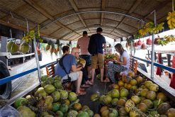 Tra On Floating Marketing vietnam local tours