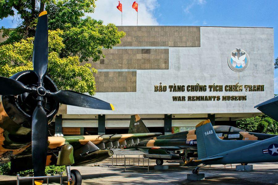 ho chi minh city hop on hop off bus war renmant museum